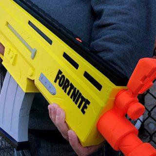 fortnite nerf blaster 320x320 - Фортнайт подписали многолетний контракт с Hasbro