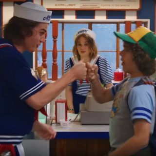 "Scoops Ahoy сериал ""Очень странные дела"""